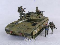 IDF Merkava 2 D with 4 Resin Figures Built 1/35