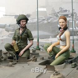 SOL Model MM227 1/16 IDF Female tank crew 3 (2 in 1, Base is not included)