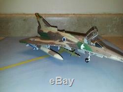 Échelle 1/48 Kitty Hawk Idf Kfir C7, Pro-built, Qualité Musée