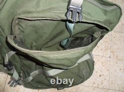 Le Commandant De La Compagnie De L'armée Israélienne Transportant Du Matériel De Sac. Fait Israël Zahal Idf