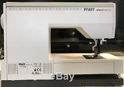 Pfaff Tiptronic 2020 Machine À Coudre Informatisée Avec Étui. Avec Le Système D'alimentation Idf