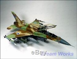 Prix gagnant Construit Grande Académie 1/32 Idf F-16i + Pe + Détails