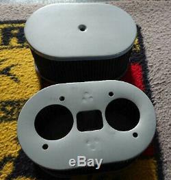 Une Paire De Filtres À Air Ovale Utilisé Pour Fil / Drla Carburateur En Gris